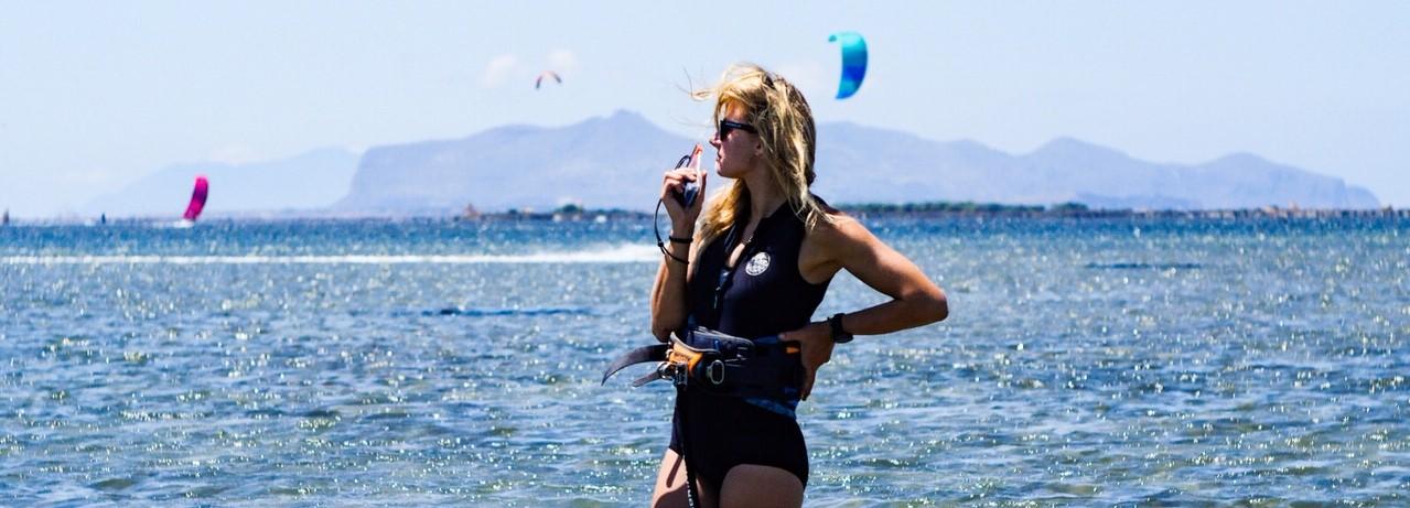 débuter le kitesurf, comment apprendre le kite, spot pour débutant kitesurf sicile, meilleure destination kitesurf