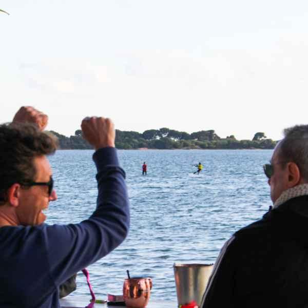 Kitesurf individual lesson sicily; kite course lo stagnone; spritz bar spot
