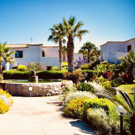 kitesurfing Sicily; kitesurfing school Sicily, accomodation lo stagnone, appartment rental lo stagnone; hotel lo stagnone