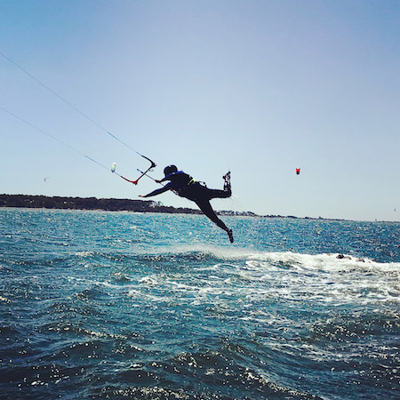 Szkoła kitesurfingu Lo stagnone, wypozyczalnia sprzetu, Lekcje kitesurfingu Sycylia, Kite marsala; kurs kitesurfingu na sycylii